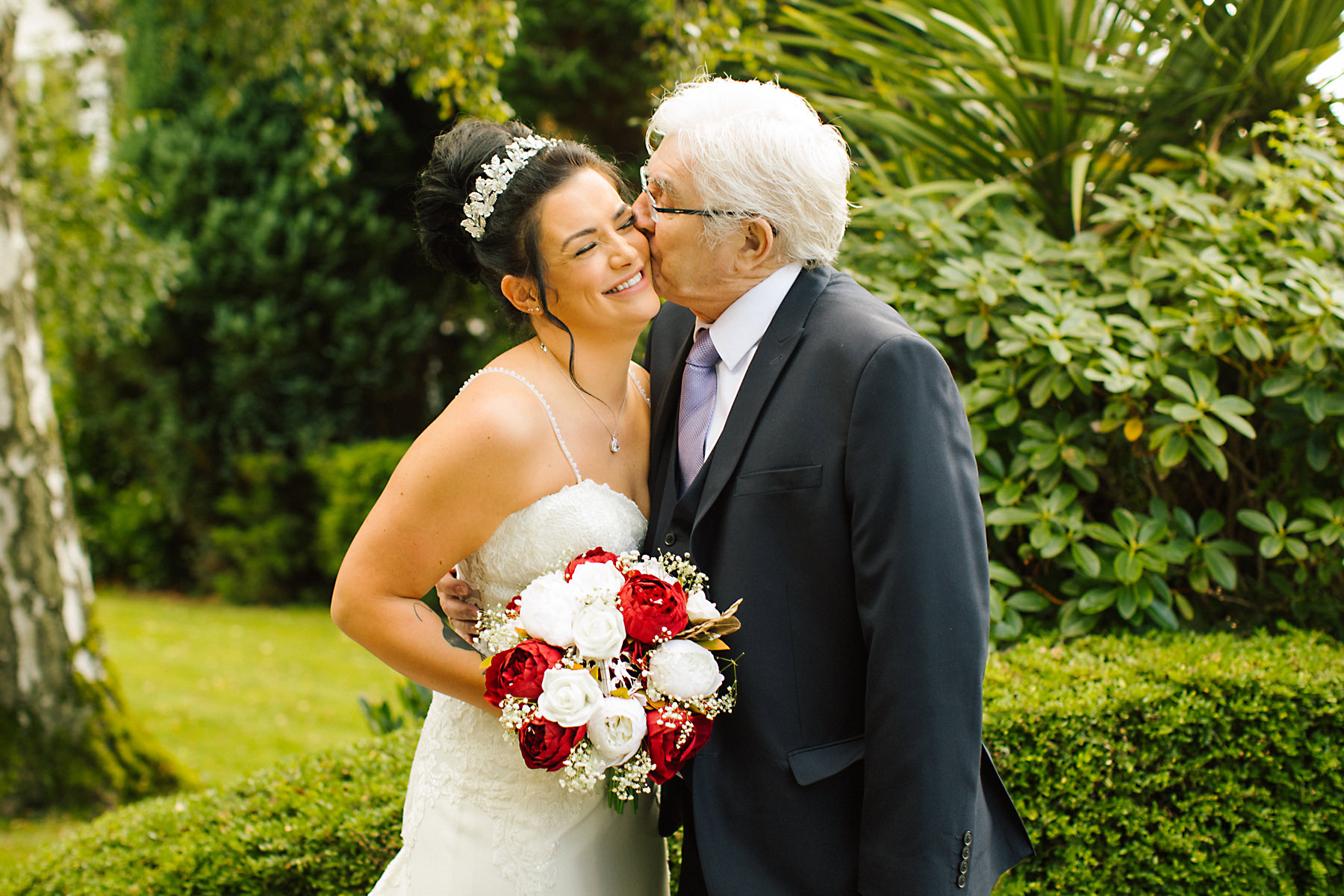 bride and grandad photo
